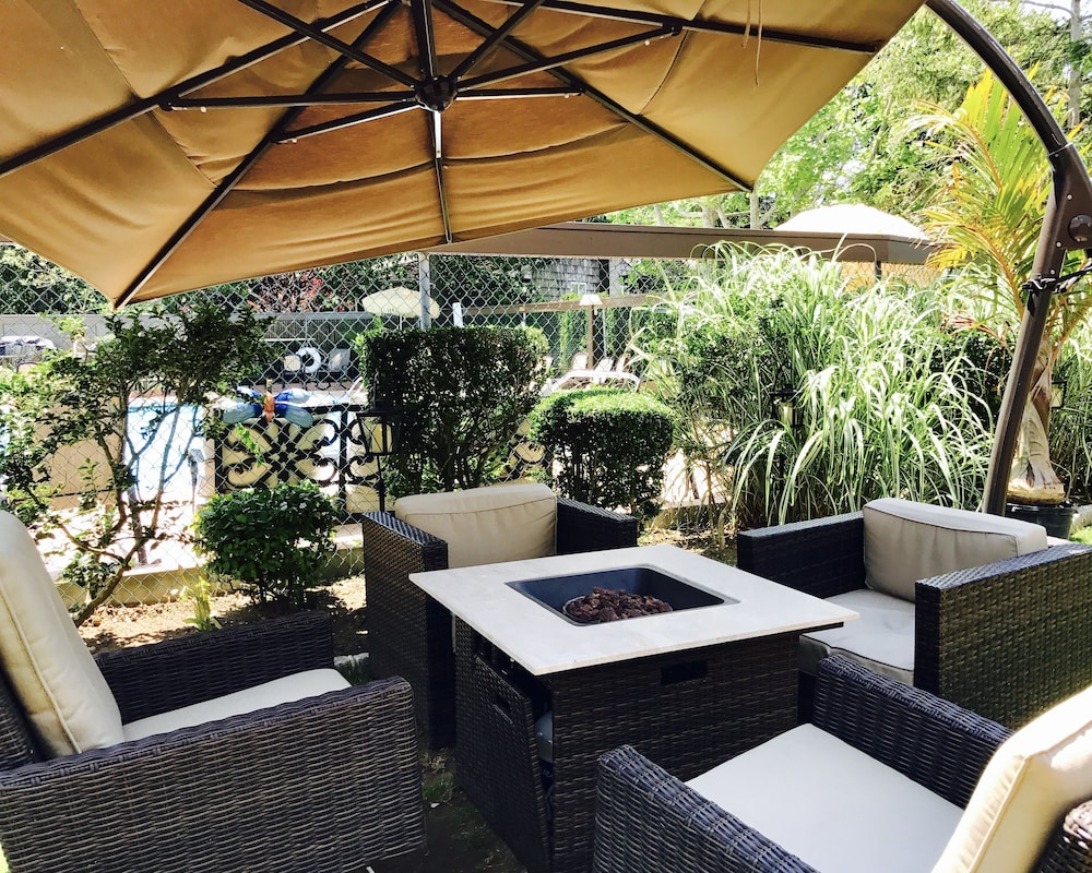 Americas Best Value Inn Hibbing Book Kennys Tipperary Inn Long Island Hotel Deals