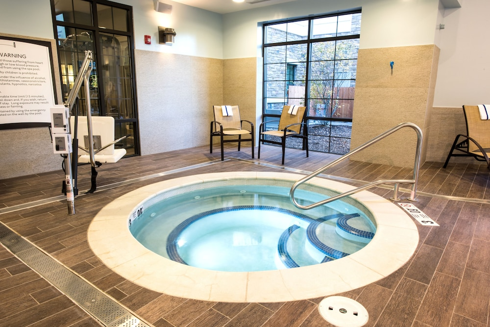 Pool, Staybridge Suites Albany Wolf Rd-Colonie Center