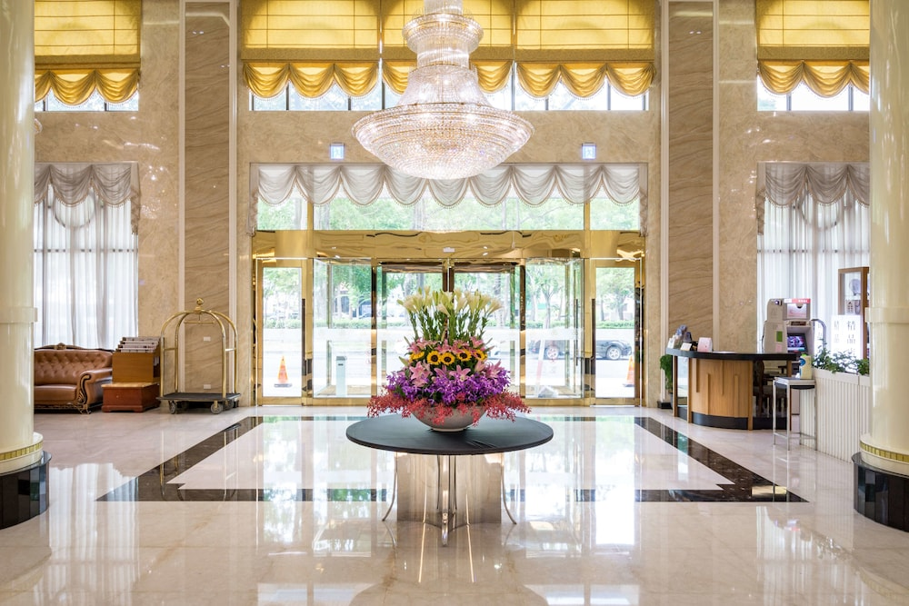 Royal Chiayi Hotel: 2019 Room Prices $52, Deals & Reviews