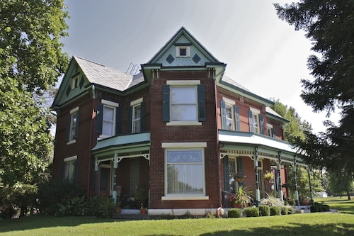 Nauvoo Grand Bed & Breakfast