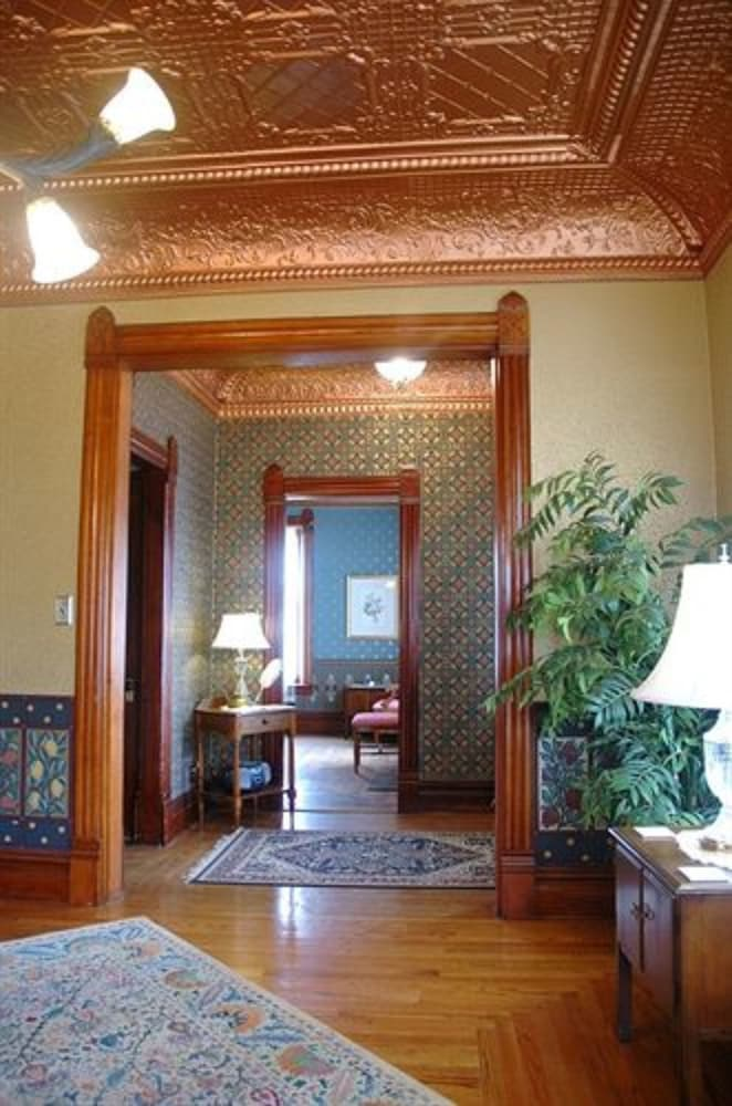 Interior, Nauvoo Grand Bed & Breakfast