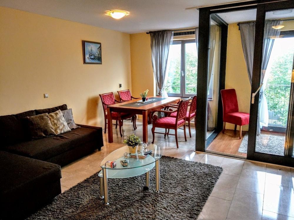 Bijlmermeer apartments - Amsterdam Arena area: faciliteiten en ...