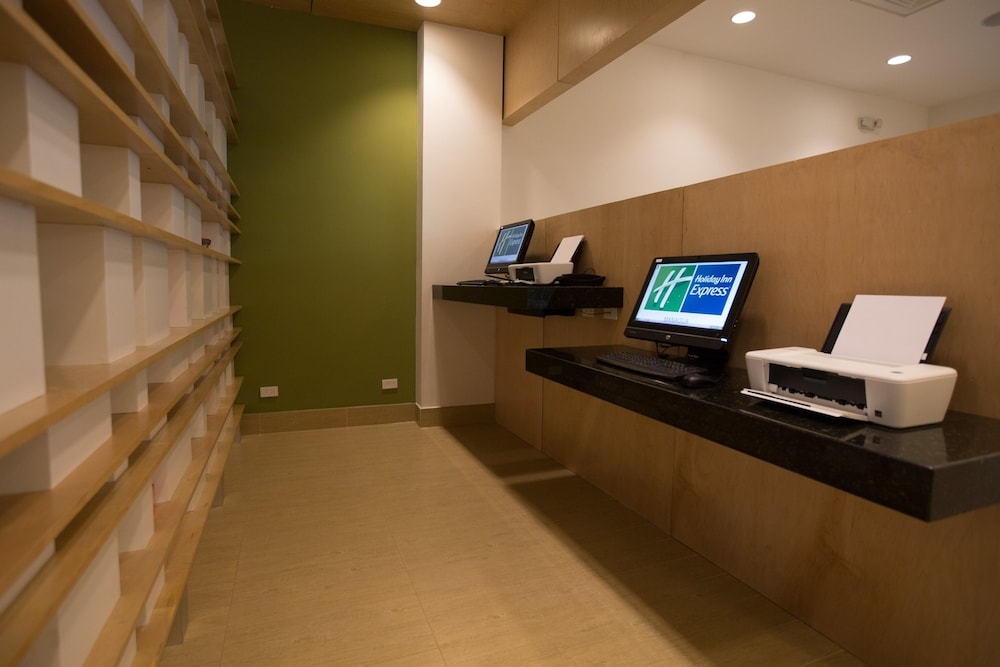 Business Center, Holiday Inn Express Managua, an IHG Hotel