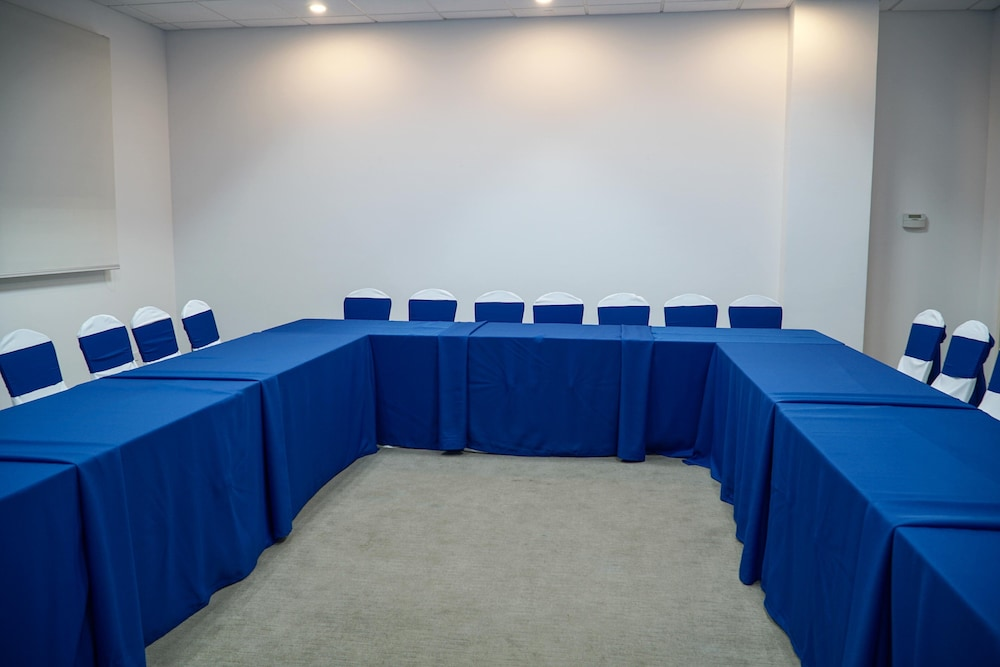 Meeting Facility, Holiday Inn Express Managua, an IHG Hotel