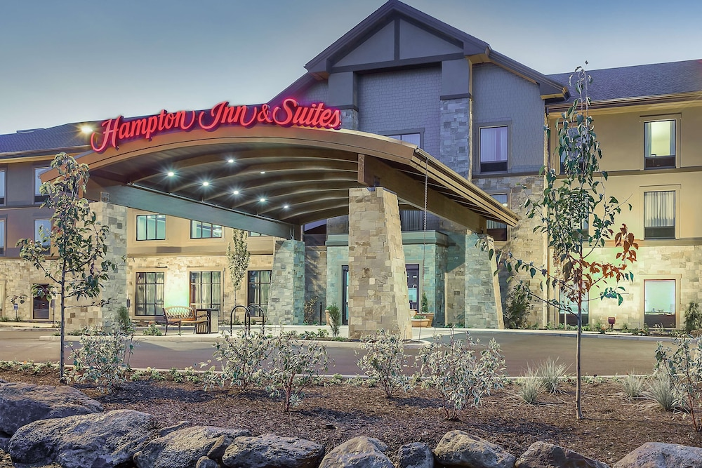 Featured Image, Hampton Inn & Suites Bend
