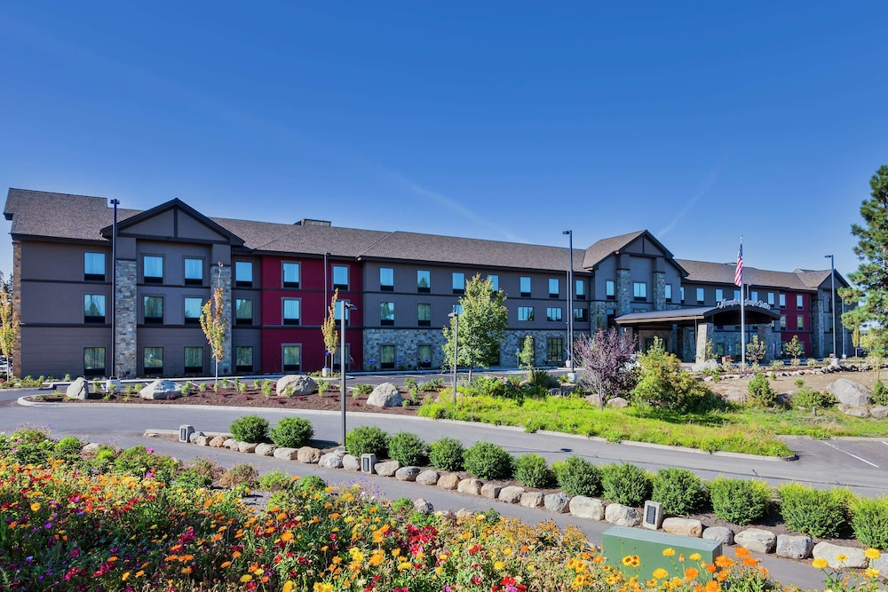Exterior, Hampton Inn & Suites Bend