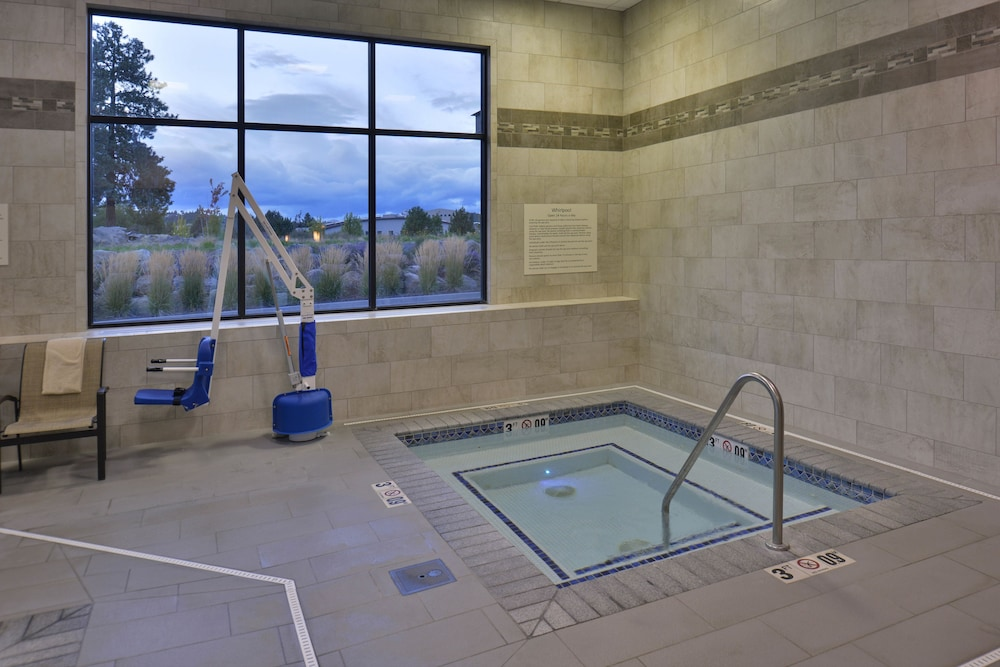 Indoor Spa Tub, Hampton Inn & Suites Bend