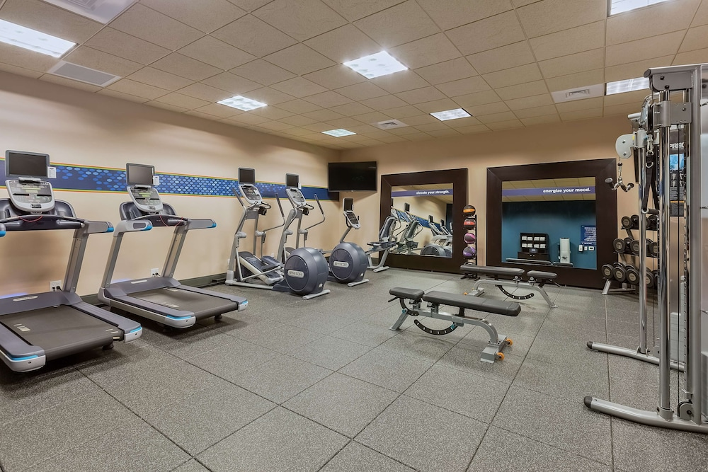 Fitness Facility, Hampton Inn & Suites Bend