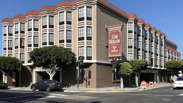 Cow Hollow Inn & Suites