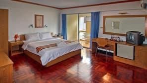 Minibar, in-room safe, desk, rollaway beds