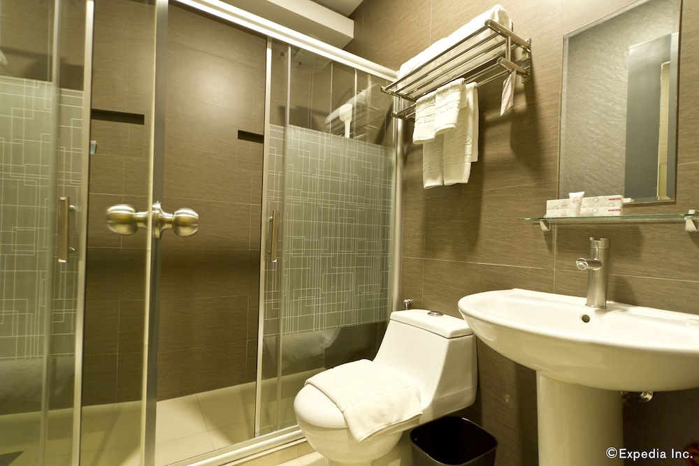 Bathroom, Eloisa Royal Suites