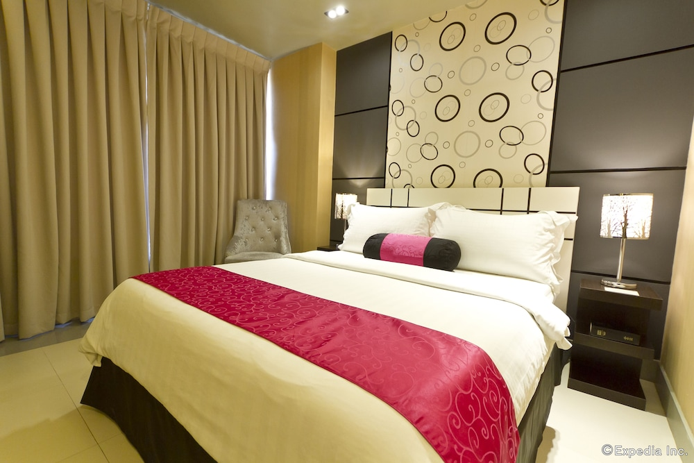 Room, Eloisa Royal Suites