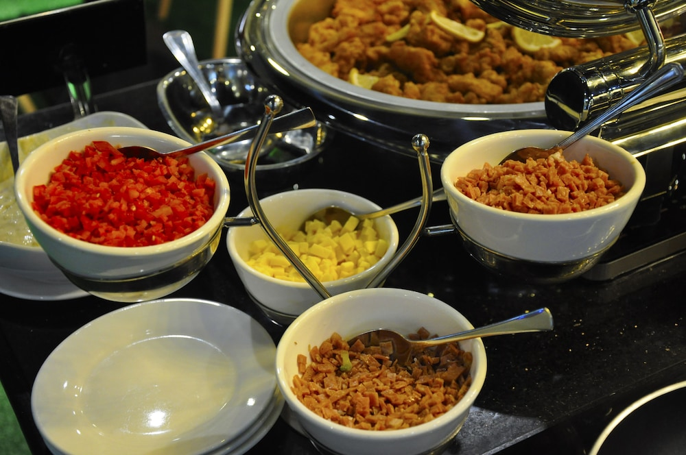 Breakfast buffet, Eloisa Royal Suites