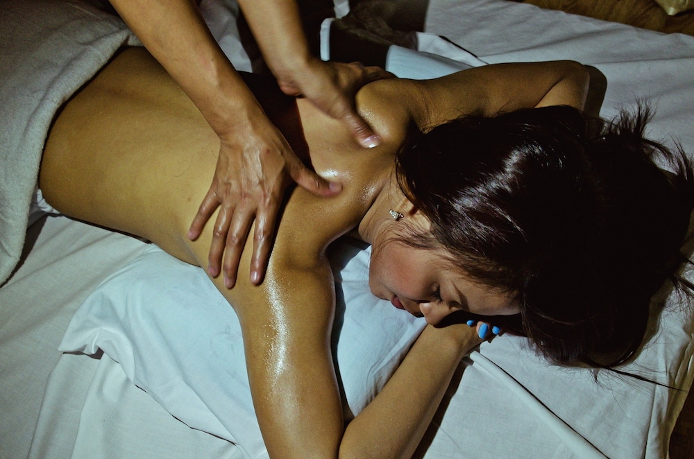 Massage, Eloisa Royal Suites