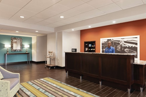 Hampton Inn & Suites Mishawaka/S Bend at Heritage Square, IN
