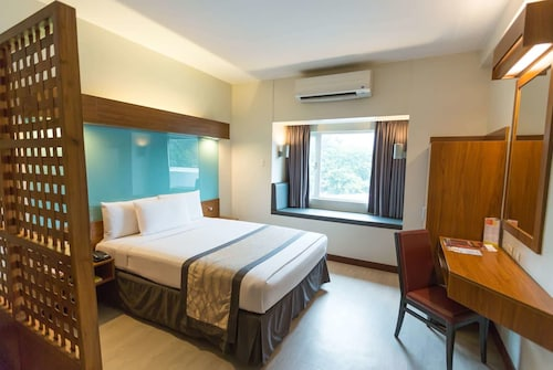Microtel by Wyndham UP Technohub