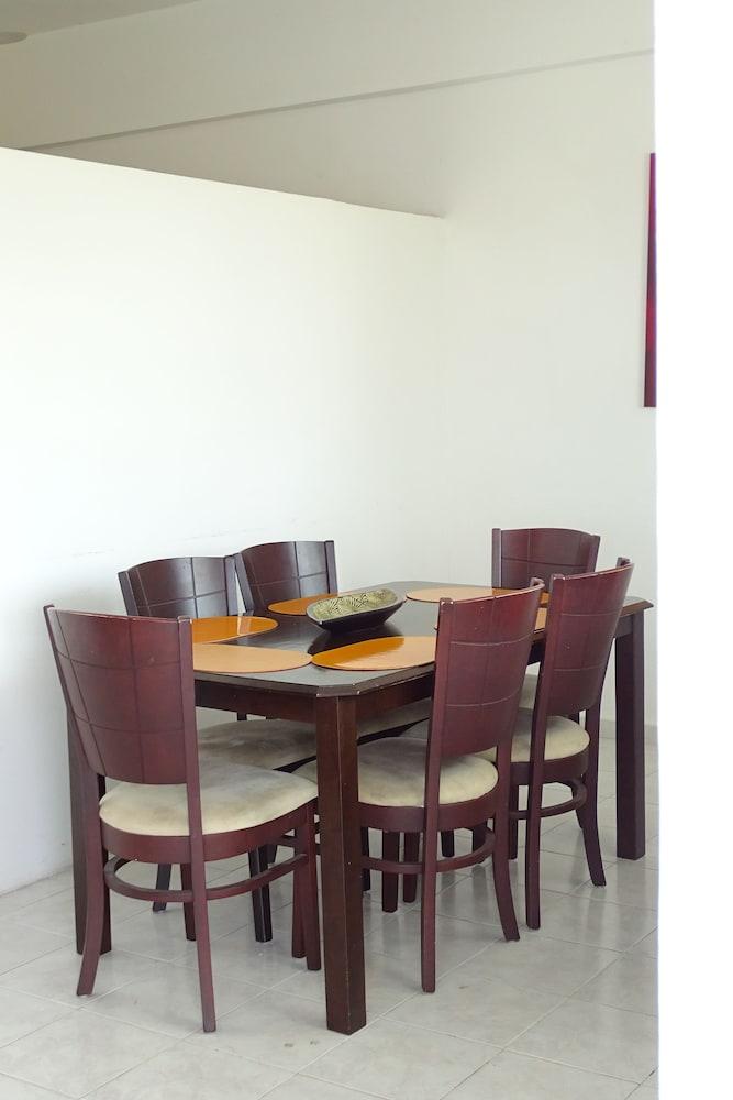Aparthotel siete 32 merida mex expedia for Planimetrie della master suite