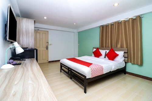 OYO 129 Gems Park (Don Mueang International Airport) Hotel