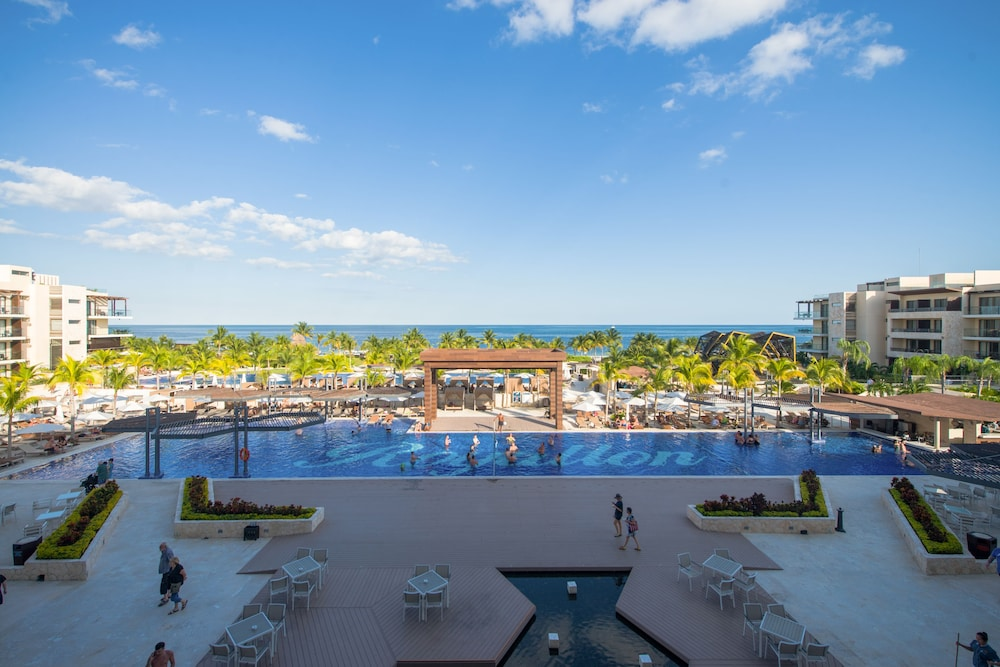 Pool, Royalton Riviera Cancun Resort & Spa - All Inclusive