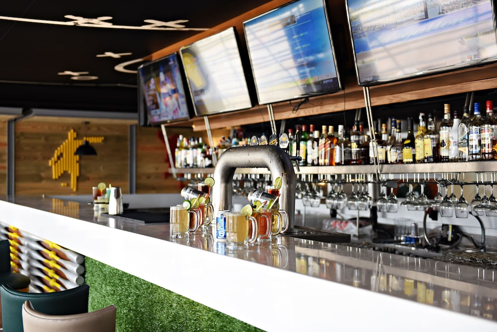 Sports Bar, Royalton Riviera Cancun Resort & Spa - All Inclusive