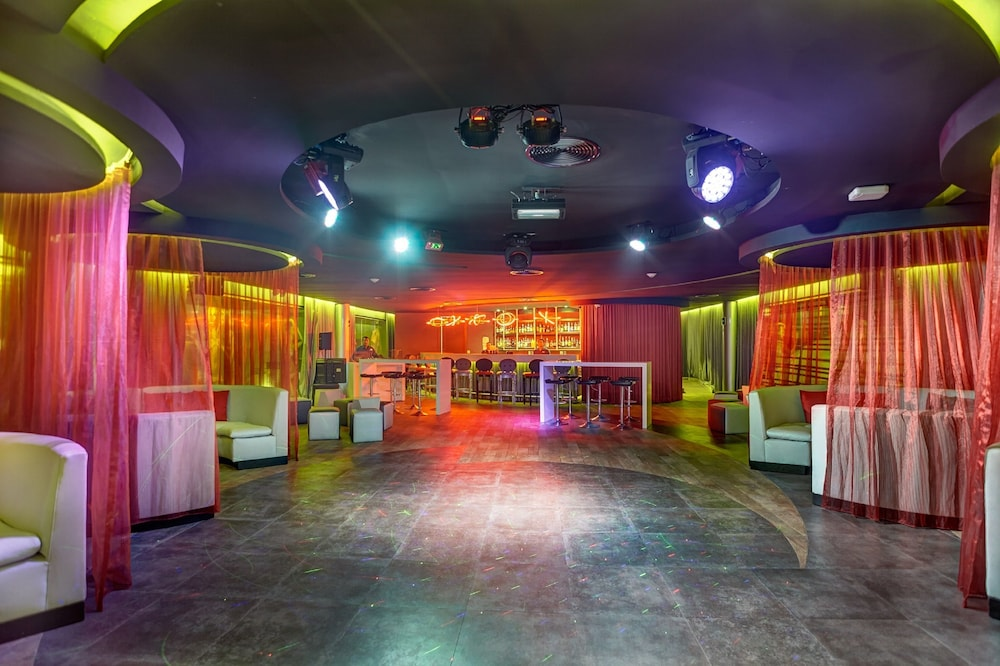 Nightclub, Royalton Riviera Cancun Resort & Spa - All Inclusive