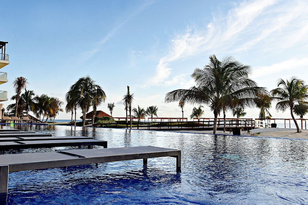 Outdoor Pool, Royalton Riviera Cancun Resort & Spa - All Inclusive