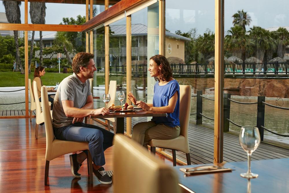 Roulette portaventura portaventura resort includes - Hotel roulette port aventura ...