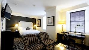1 bedroom, pillow-top beds, desk, laptop workspace