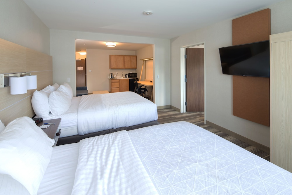 Room, Holiday Inn Express & Suites Monroe, an IHG Hotel