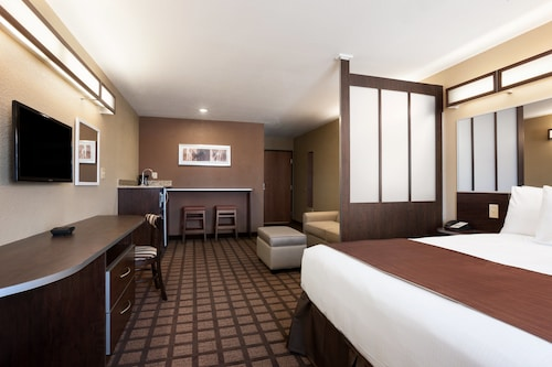 Microtel Inn & Suites By Wyndham Midland