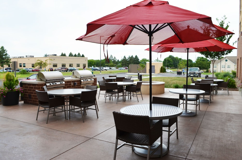 Courtyard, Towneplace Suites by Marriott Harrisburg West/Mechanicsburg