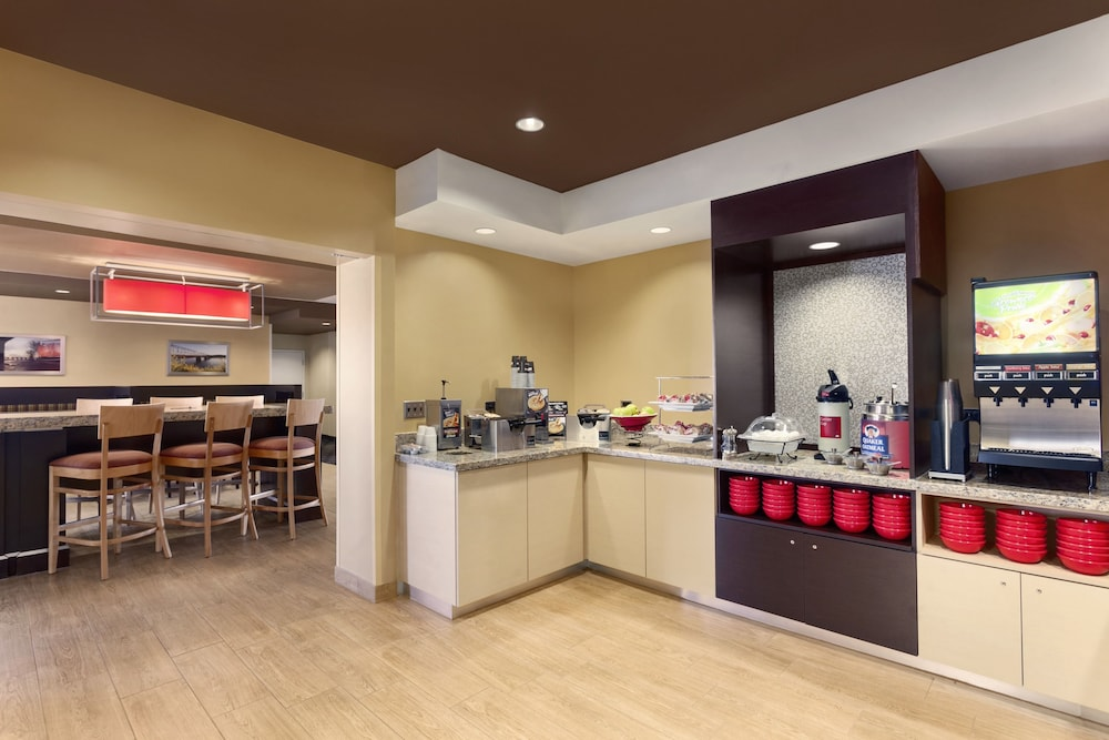 Breakfast Area, Towneplace Suites by Marriott Harrisburg West/Mechanicsburg