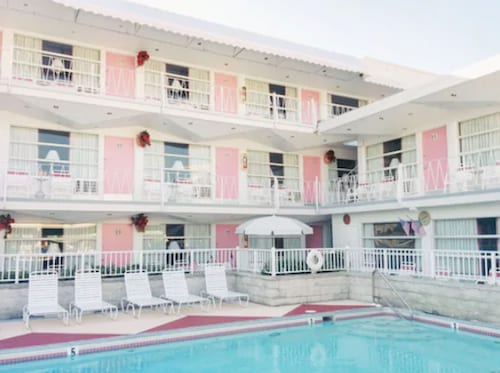 Pink Champagne Motel
