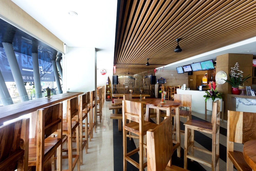 Sports Bar, Citadines Kuta Beach Bali