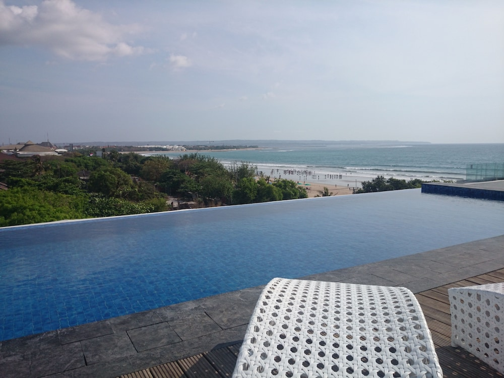 Rooftop Pool, Citadines Kuta Beach Bali