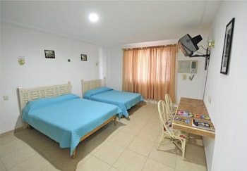 Double Room, 2 Double Beds - Guestroom