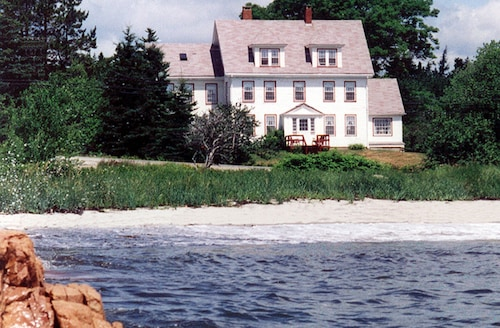 Great Place to stay Acadia's Oceanside Meadows Inn near Prospect Harbor