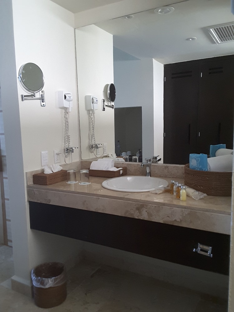 Bathroom, Akumal Bay Beach & Wellness Resort - All Inclusive