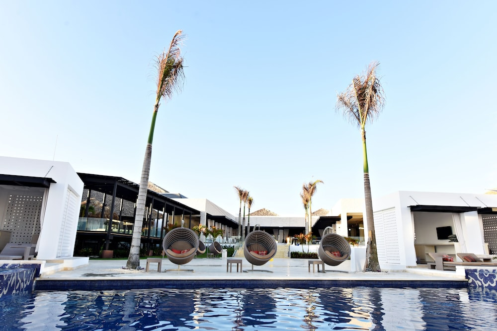 Outdoor Pool, Royalton CHIC Punta Cana Resort & Spa - Adults Only - All Inclusive