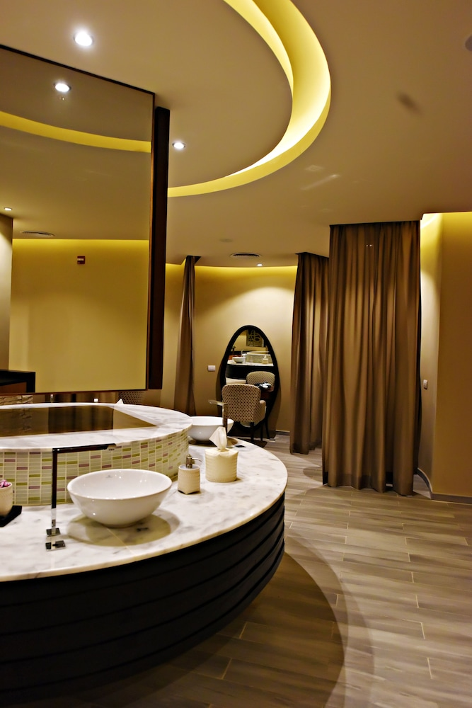 Treatment Room, Royalton CHIC Punta Cana Resort & Spa - Adults Only - All Inclusive