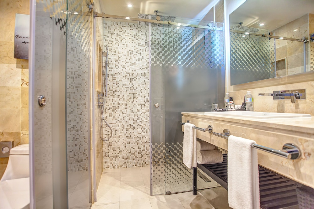 Bathroom Shower, Royalton CHIC Punta Cana Resort & Spa - Adults Only - All Inclusive