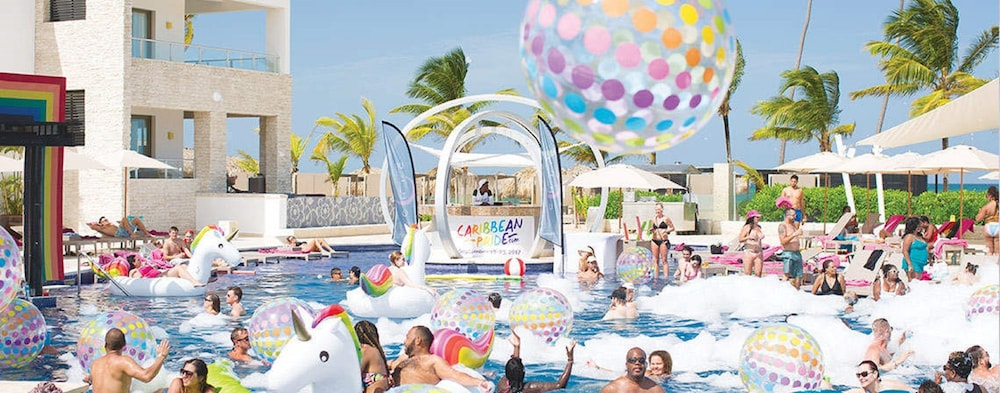 Pool, Royalton CHIC Punta Cana Resort & Spa - Adults Only - All Inclusive
