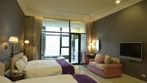 Premium bedding, down duvet, pillow top beds, desk
