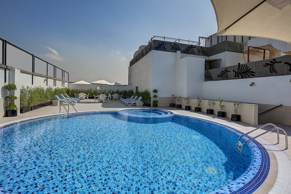 Raintree rolla hotel reviews photos rates for Dubai 7 star hotel rates