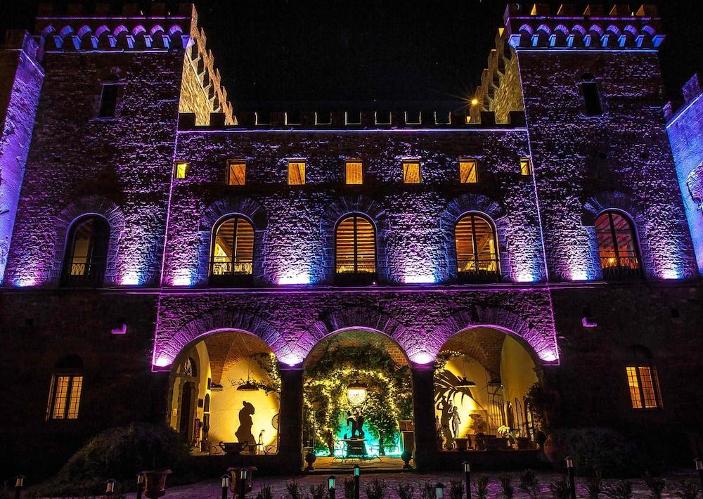 Letto A Castello Firenze.Castello Di Montalbano Firenze Italia Expedia It