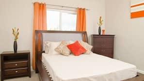2 chambres, matelas Tempur-Pedic, décoration personnalisée