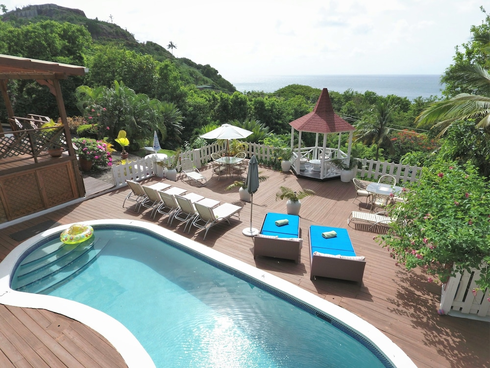 Book villa capr gros islet hotel deals for Villa capri