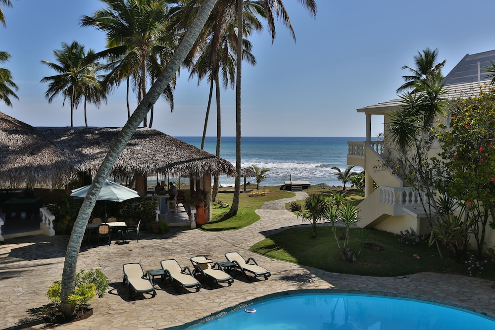Featured Image, The Beachcomber at Las Canas