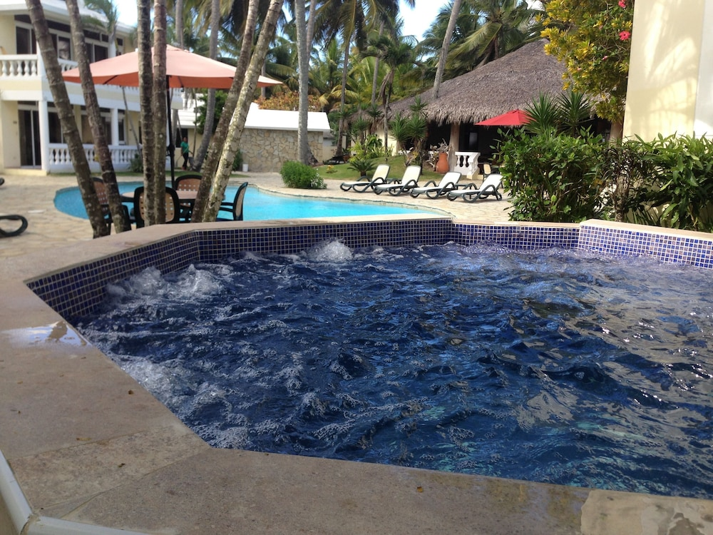 Spa, The Beachcomber at Las Canas