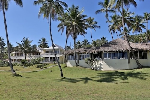 Property Grounds, The Beachcomber at Las Canas